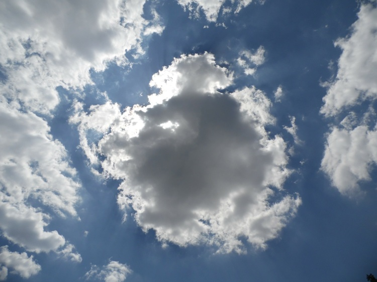 dark-clouds-173926_1920